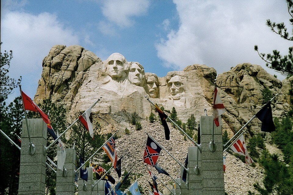 Avenue of Flags - Mount Rushmore