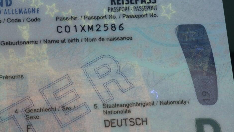 Deutsch Reisepassnummer