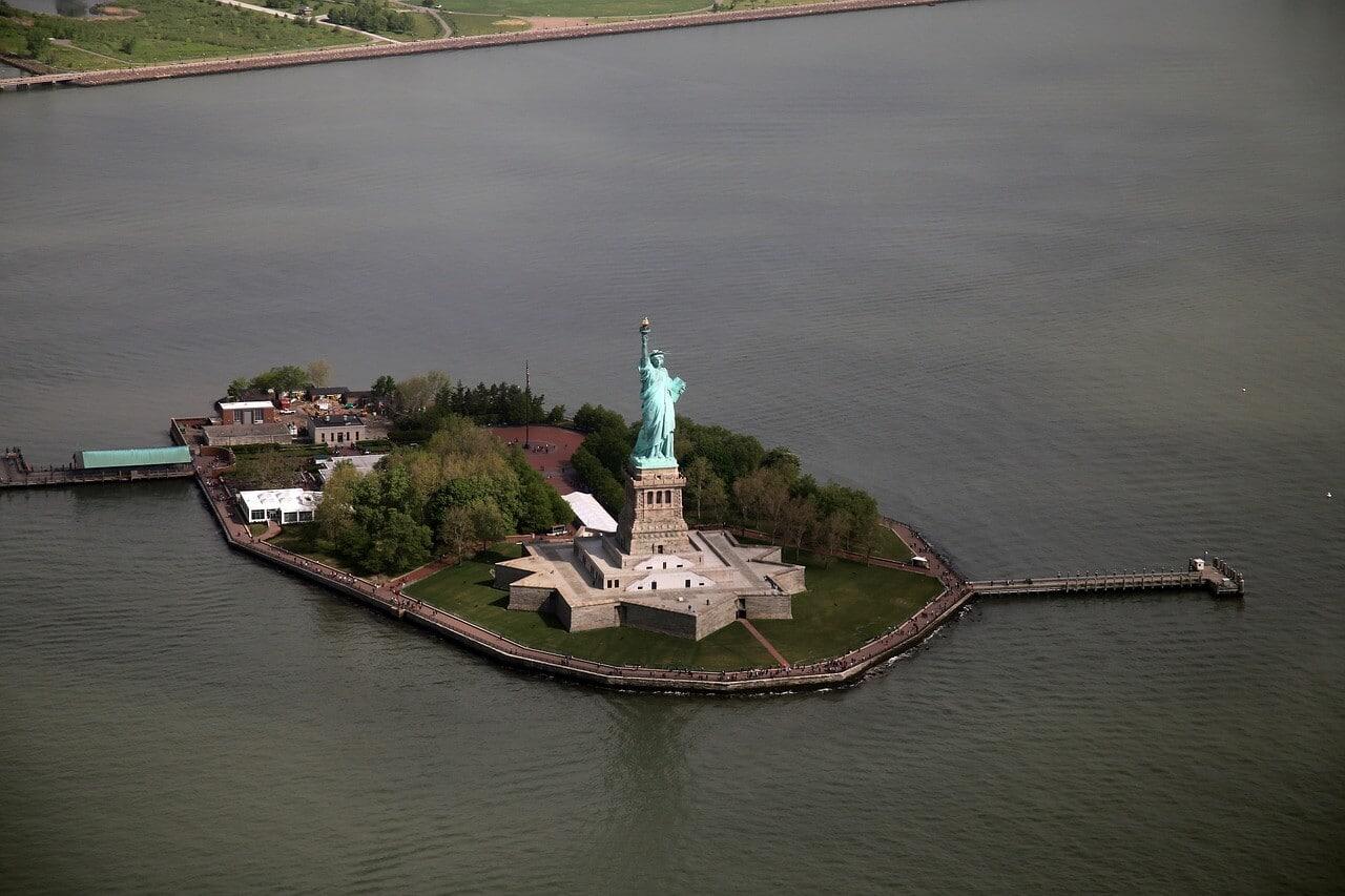 ESTA Antrag und Reisen in die USA Das Liberty Island in NY