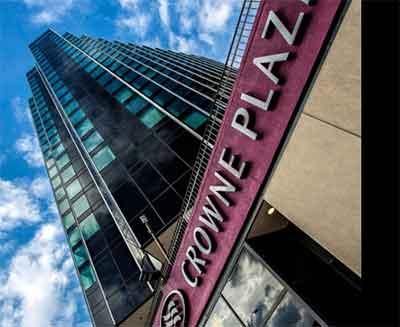 deroit-crown-plaza-hotel