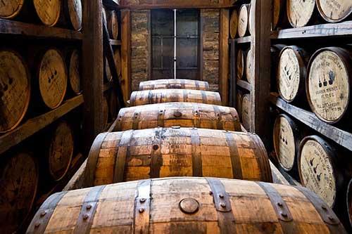 louisville-distillery-barrels