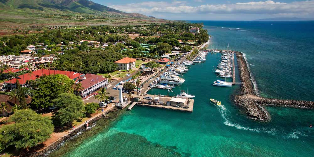 Lahaina-Harbor-Island-of-Maui-Hawaii