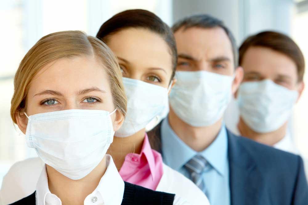 Leute mit Gesichtsmasken wgen Corona Virus